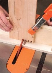 How to make a box joint iwth the wobble blade on a table saw.