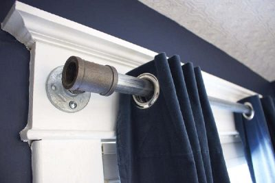 How to make a curtain rod from tubes.
