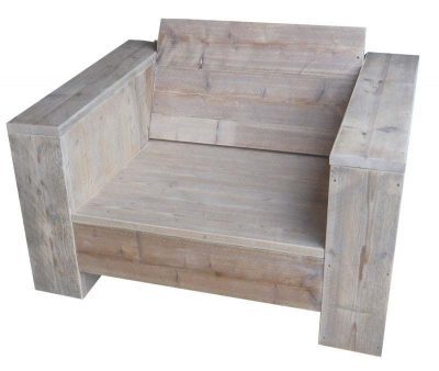White wash lounge chair made of scaffold planks.
