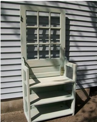 Nice design for a high chair, made with a repurposed old door.